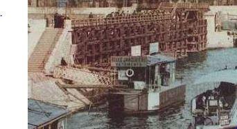 fritz-thaulow-la-seine-en-decembre 1892 bateau amarré