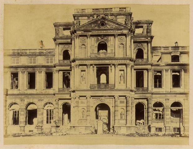 lincendie-des-tuileries-pavillon-de-lhorloge