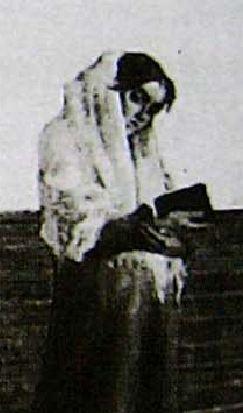 Segantini_1883_La_penitente_mains
