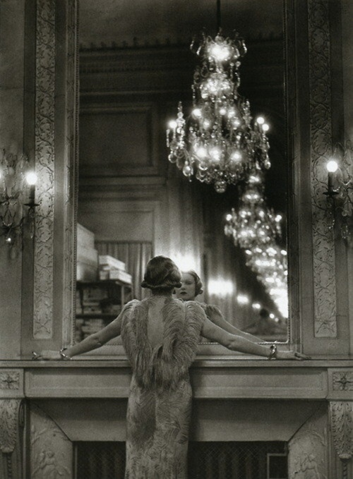 The grand mirror of the Molyneux atelier, Paris, 1934, by Alfred Eisenstaedt