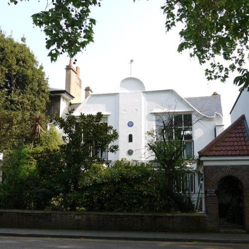 South Bolton Gardens, 8