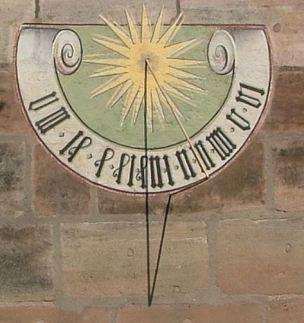Sonnenuhr_im_Johannisfriedhof_Nurnberg