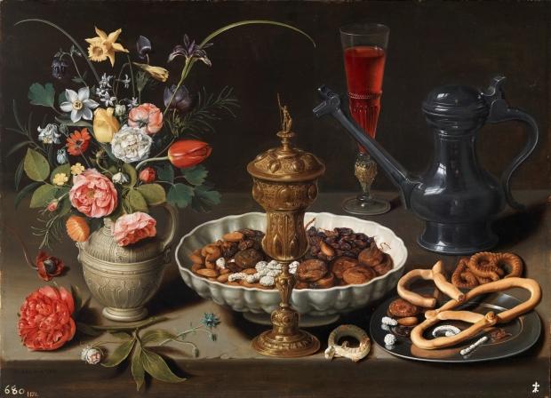 Clara Peeters 1611 A Bodegon con flores, copa de plata dorada, frutos secos, dulces, panecillos, vino y jarra de peltre, Prado