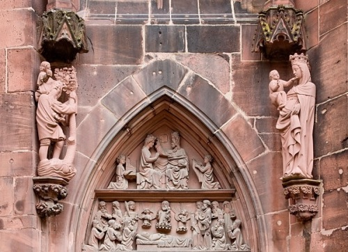 choir-portal-at-freiburg-minster