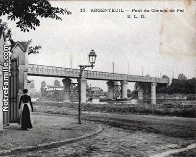Monet_PontFer _Pont_Chemin_De_Fer_Argenteuil_CartePostale
