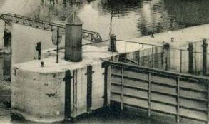 Hopper 1905 Bridge in Paris_Ecluse de la monnaie_détail panneau1