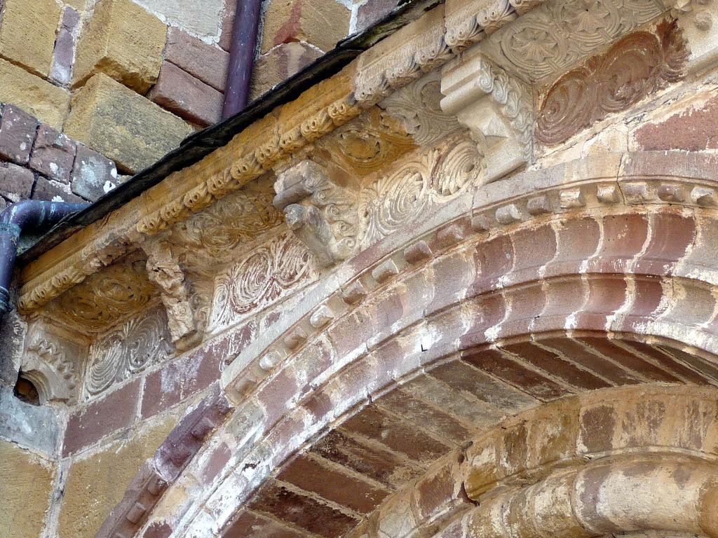 CO06_conques portail sud corniche