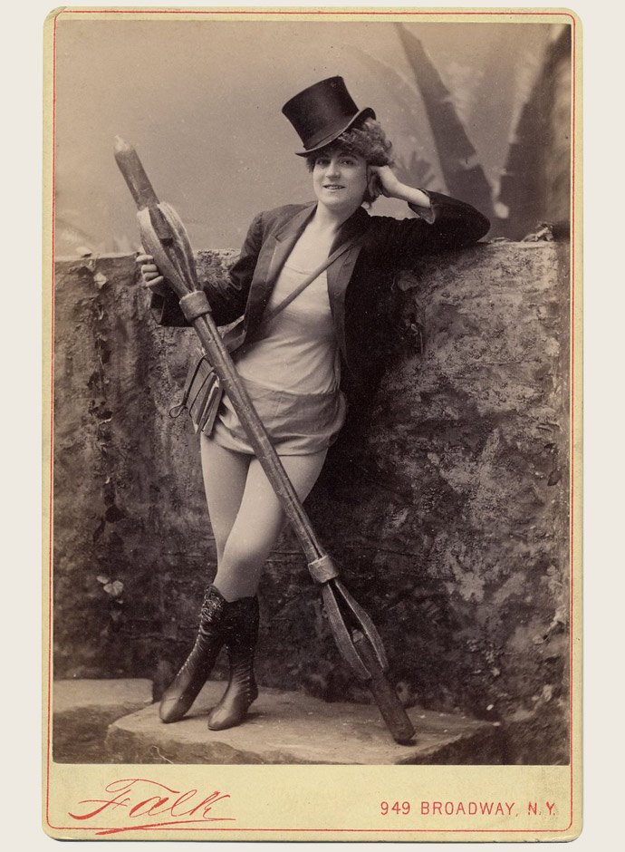 victorian-burlesque-dancers-and-costumes-of-1890s-in-photos-and-postcards-vernona-jabeau