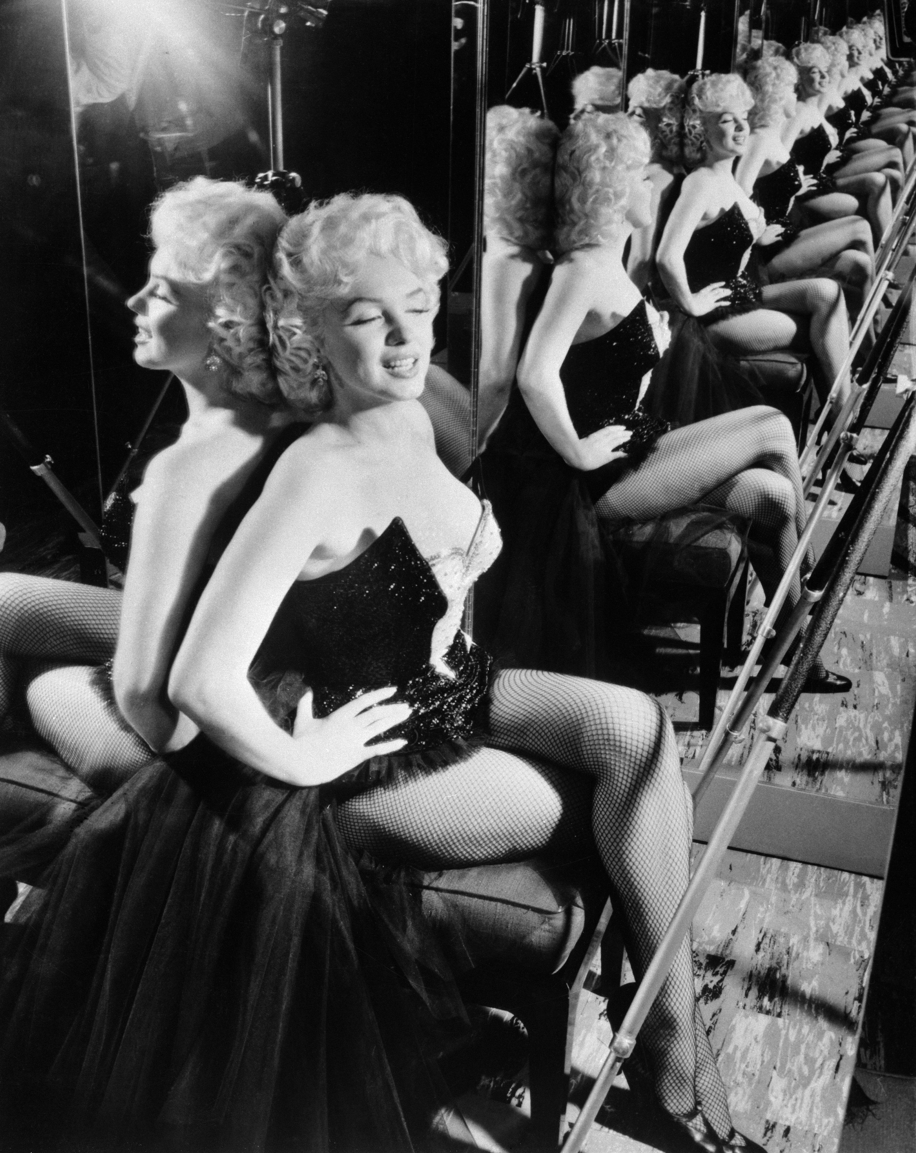 """Marylin Monroe Sitting in Her Circus""""Costume"""