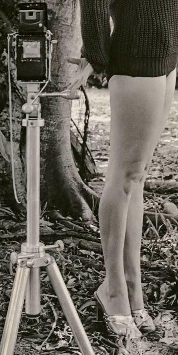 Bunny Yeager Self Portrait Backyard_How I Photograph Myself_web-1 jambes