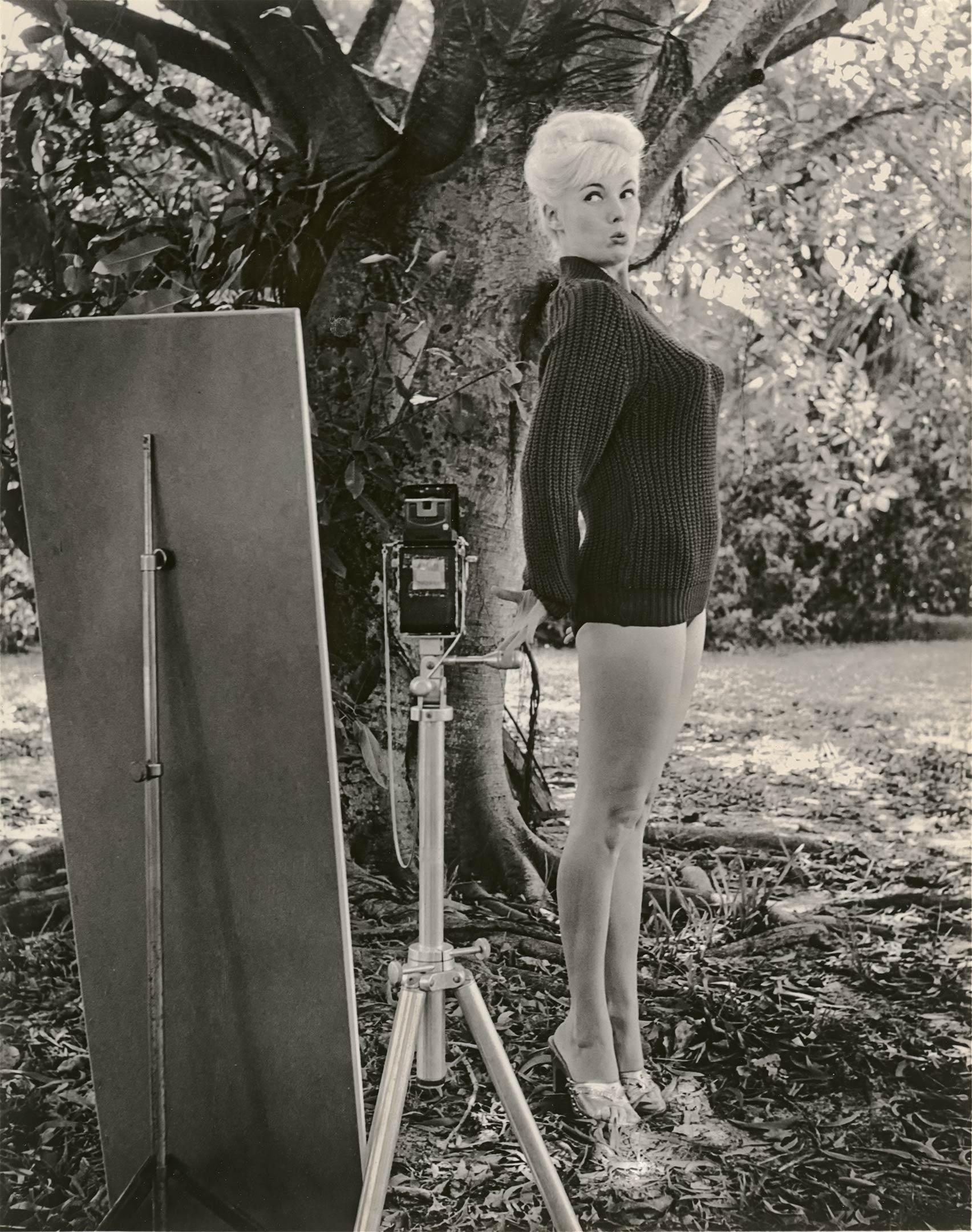 Bunny Yeager Self Portrait Backyard_How I Photograph Myself_web-1