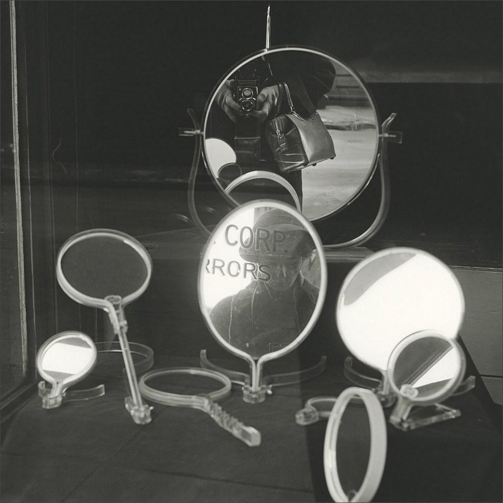 vivian-maier-self-portrait-with-mirrors-1955