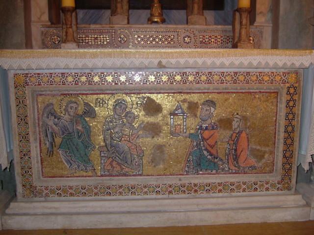1255-56 Anonimo romano Madonna con Bambino e i donatori Giacomo Capocci e sua moglie Vinia Chiesa di S. Michele Arcangelo, Vico nel Lazio