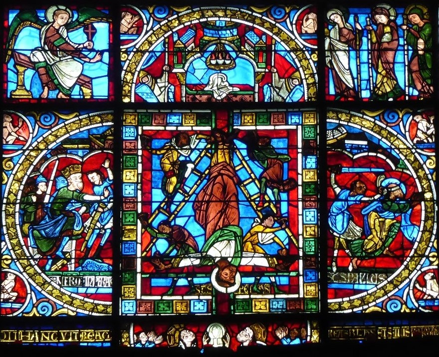 vitrail de la Crucifixion Cathedrale de Poitiers Resurerrection Saint Pierre