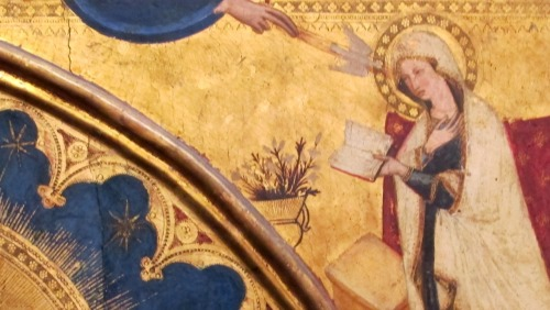 1350-55 Maestro_delle_Tempere_francescane_ Madonna_dell'Umilta_con_san_Domenico_e_donatore,_Capodimonte detail