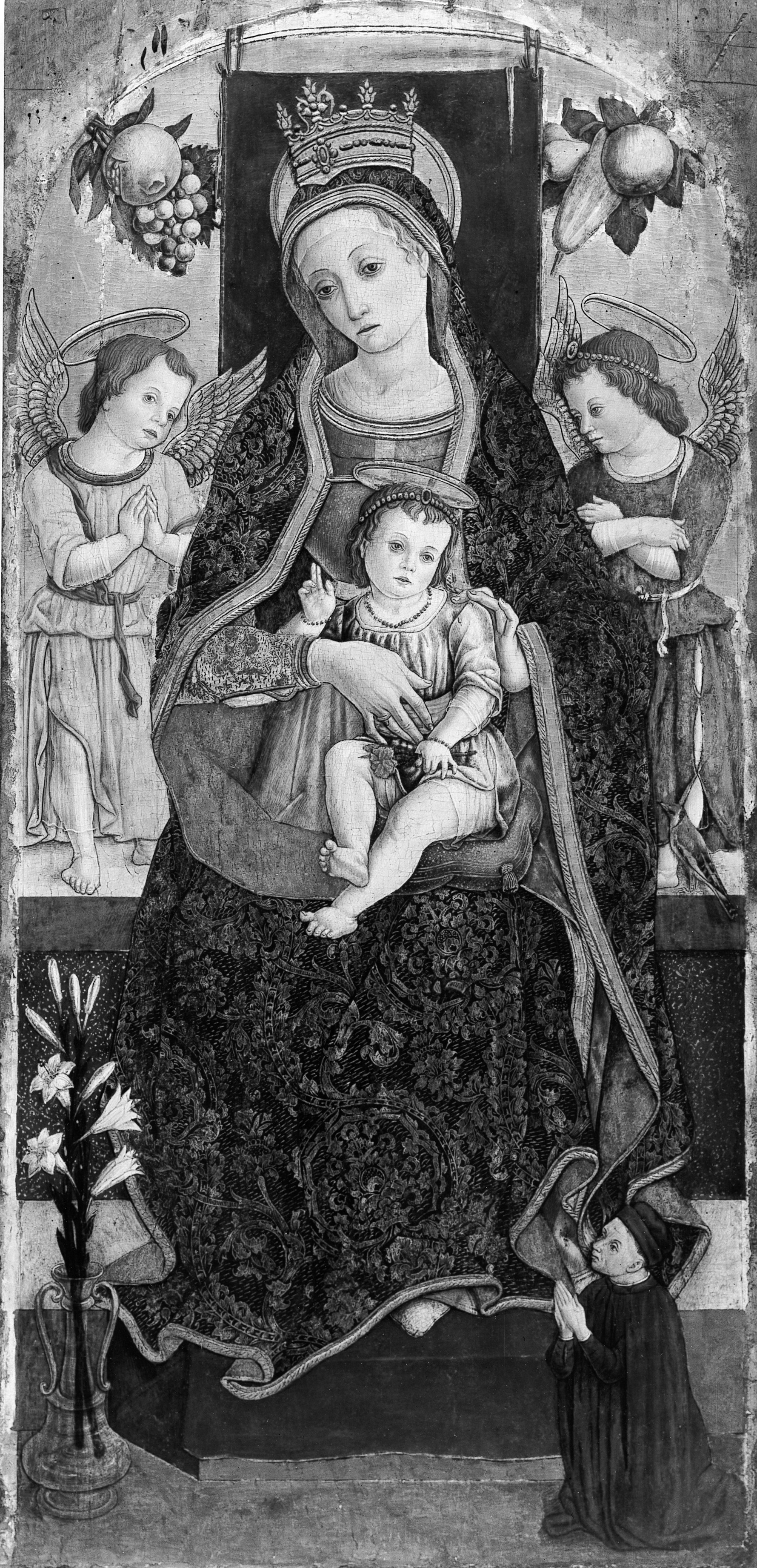 1481 Crivelli possibly Ludovico Vinci, a noble of the town of Fermo MET