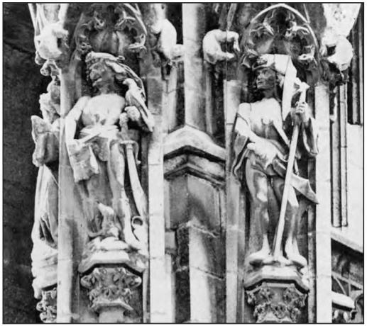 1500 ca Tour de Beurre cathedrale de rouen deux officiers (fauconnier connetable)