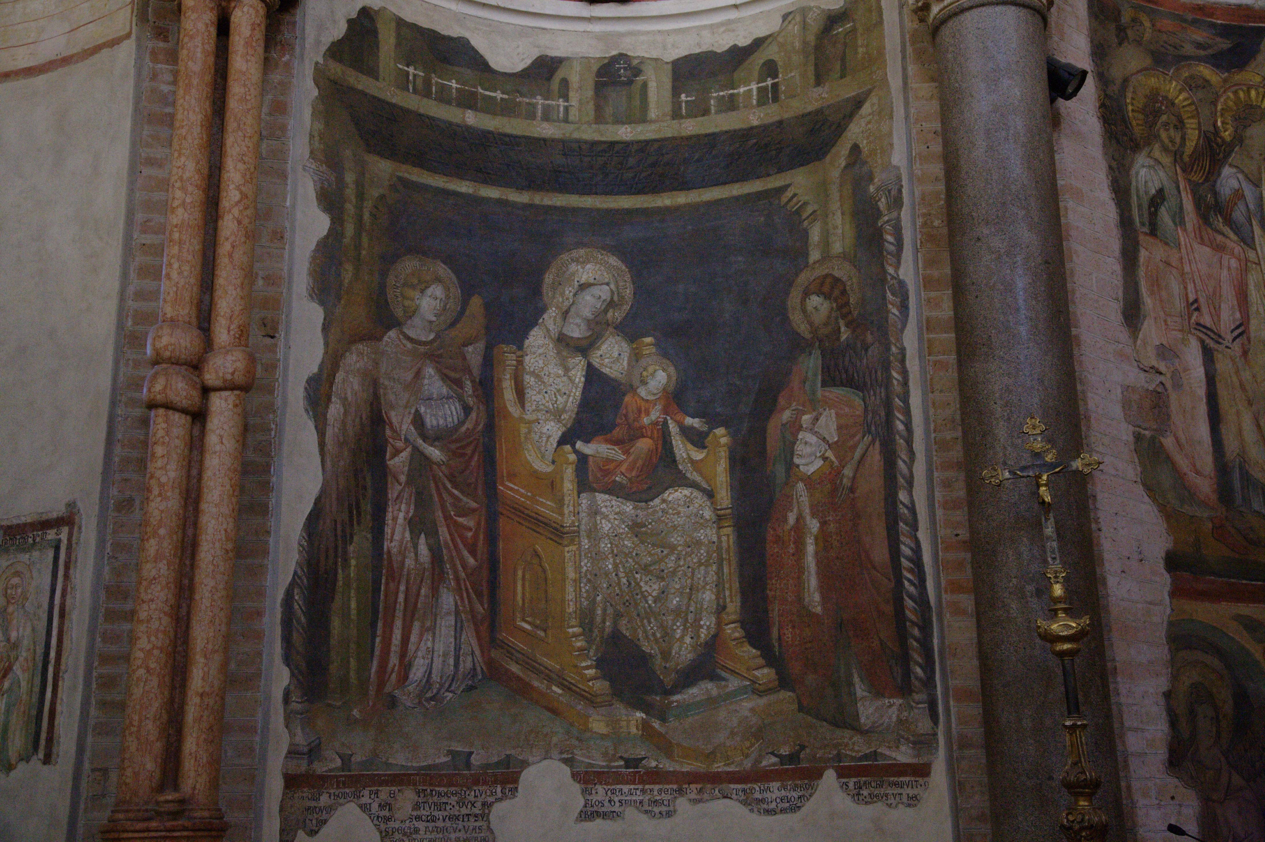 Maitre de 1302 Madonna col Bambino in trono tra un angelo e il Battista et eveque Bianchi Baptistere de Parme photo Hans A. Rosbach
