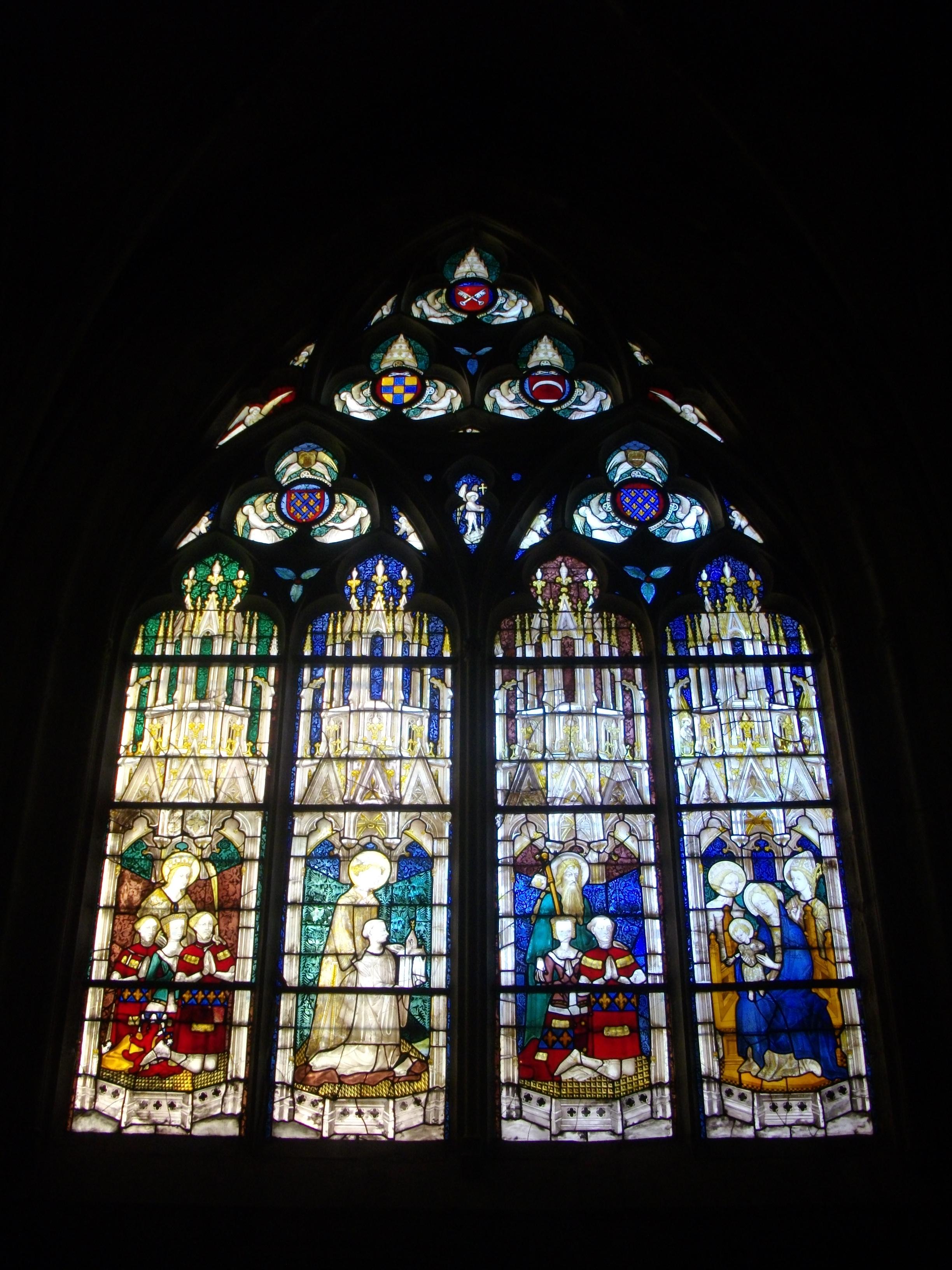 1400-1405 La famille Trousseau Bourges_-_cathedrale