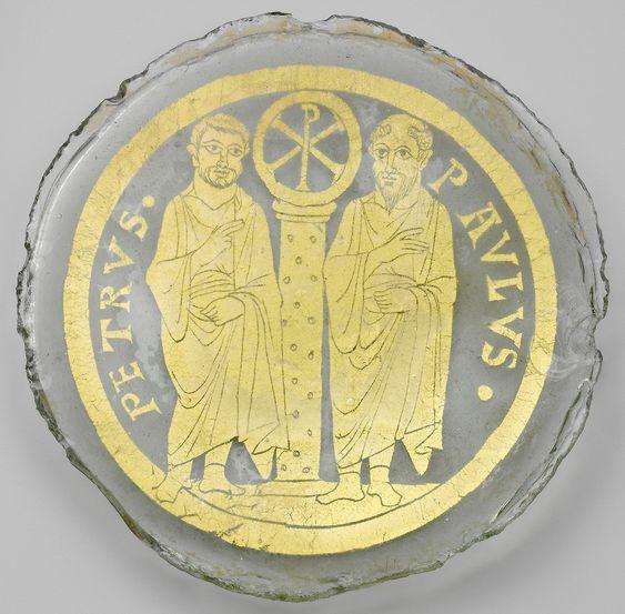 Pierre Paul ai lati della colonna col monogramma di Cristo. Fine l IV secolo Met