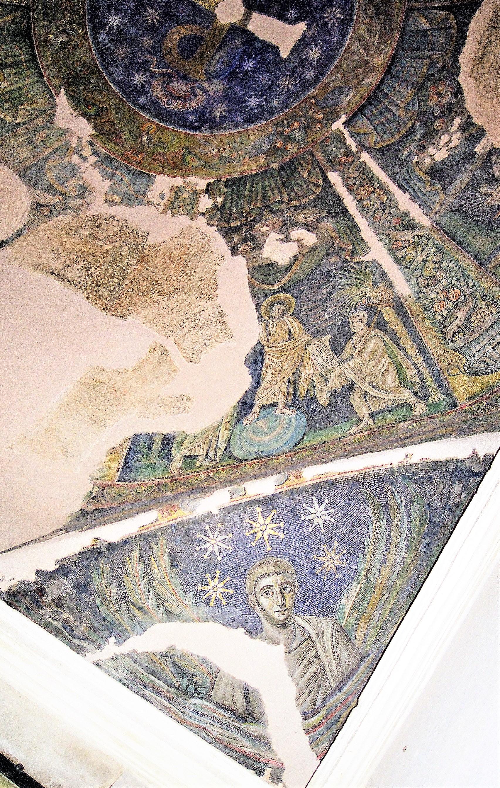 Traditio Legis 465–486 Baptistere des San Giovanni in Fonte Naples bas