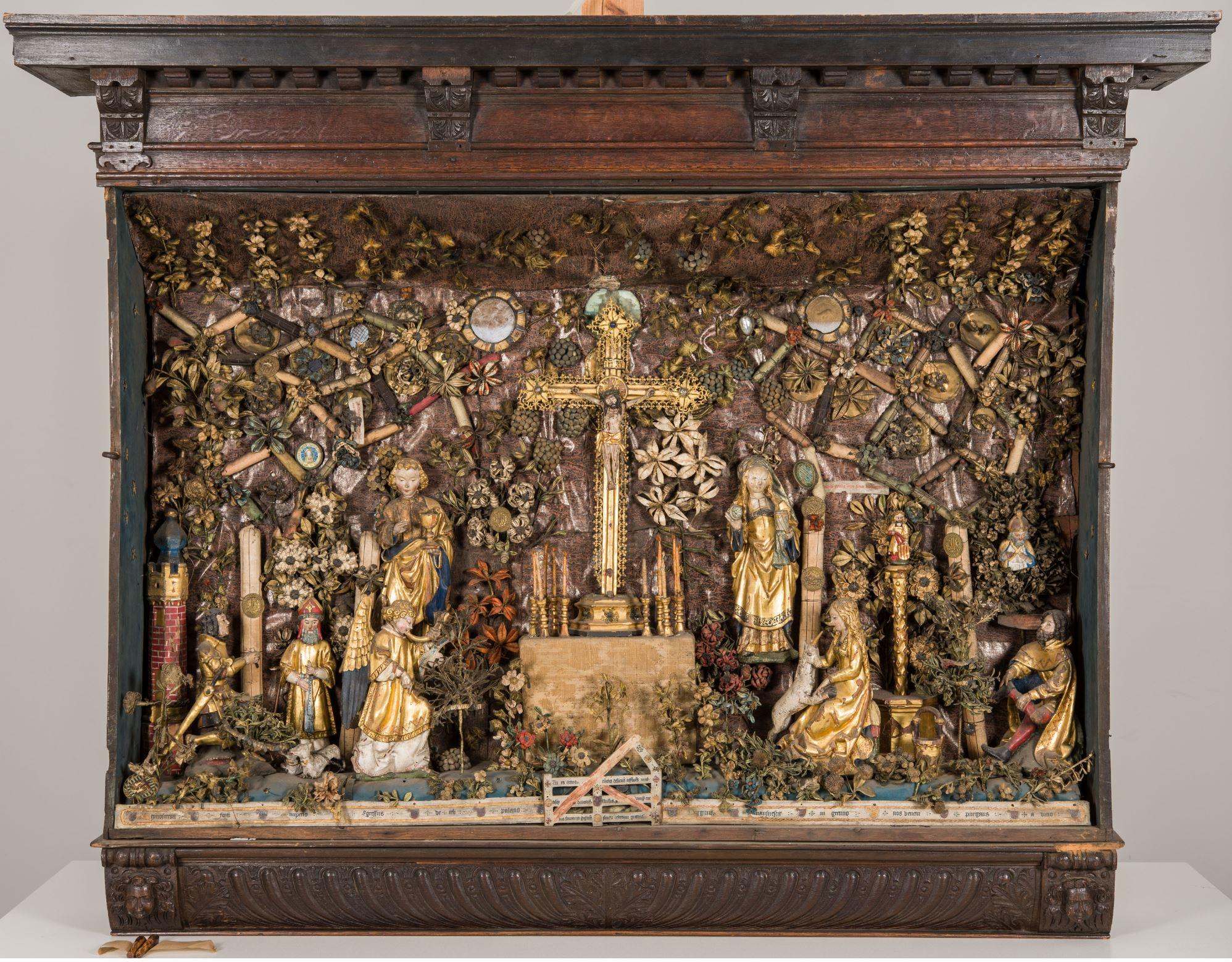 1510–30 Besloten_Hofje_met_Calvarie_en_jacht_op_de_eenhoorn_-_Museum_Hof_van_Busleyden_Mechelen (c) Kirk-IRPA