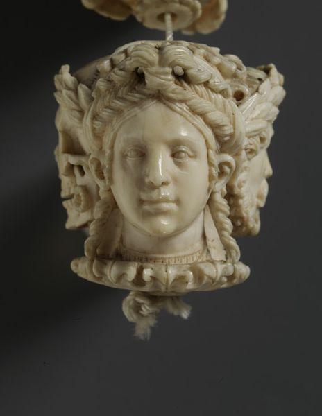 1530 ca Rosaire France ou PaysBas VA Museum C