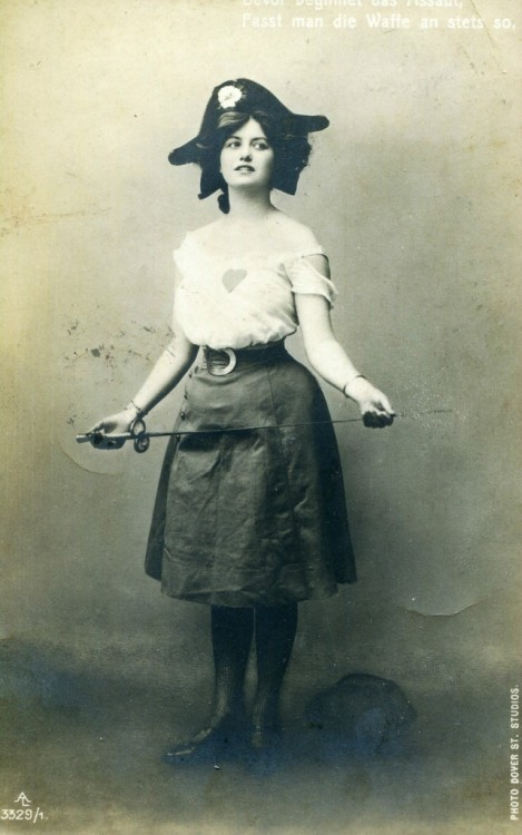 1909 anglais Dover st studio Lady Pirate A