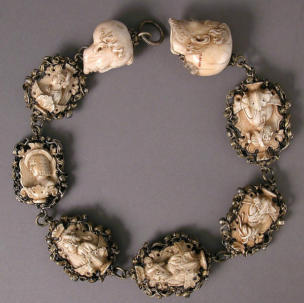 TetedoubleFbis Memento Mori. Carved ivory rosary, early 16th century. Metropolitan museum of art, New York complet 17.190.306 A