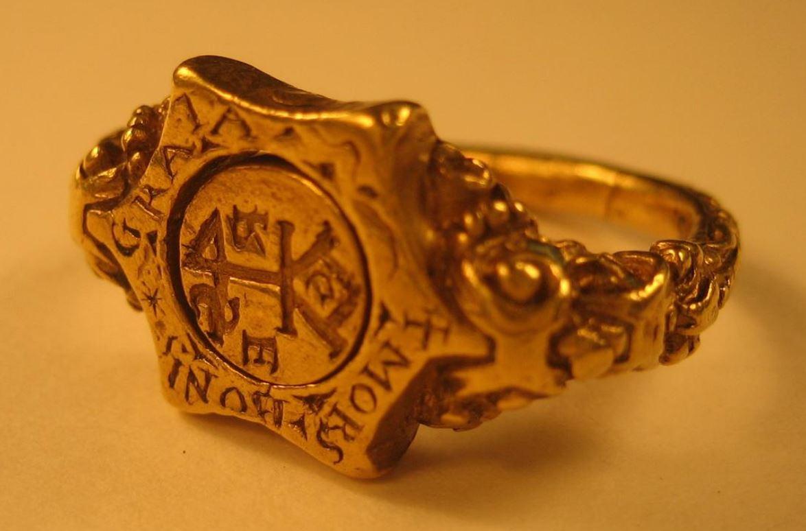 Anneau avec marque de marchand 16eme British Museum B