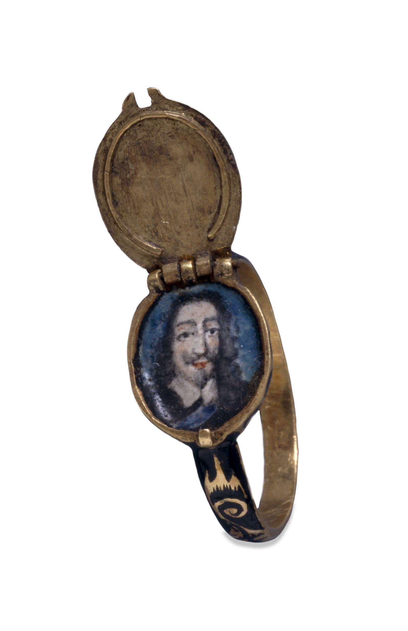 Charles I 1650 ca memorial ring opened