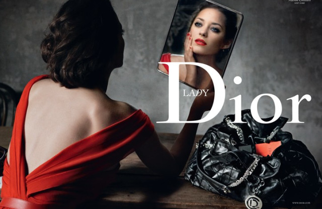 Dior B 2009 Marion Cotillard Annie Leibovitz Lady Red New York